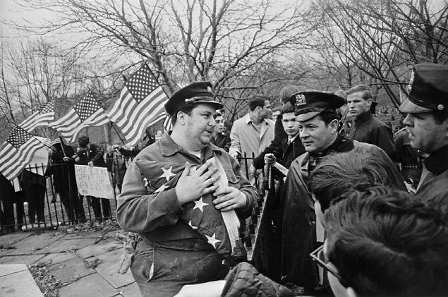 Winogrand, Peace Demonstration